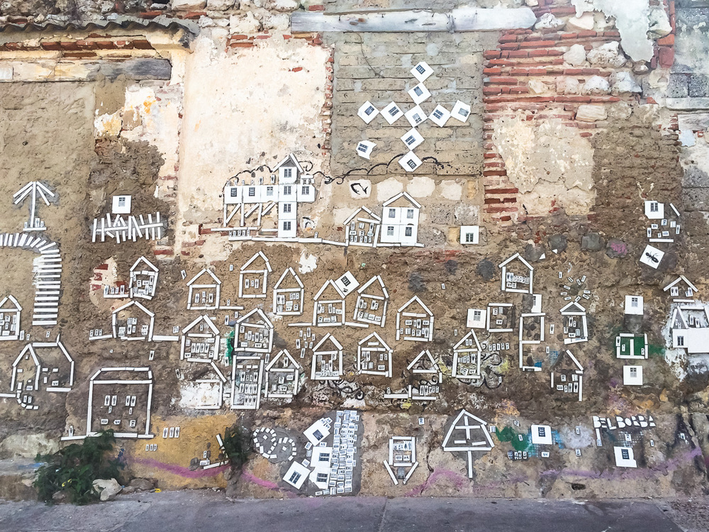 20140125_Colombia_060_house_graffiti.jpg