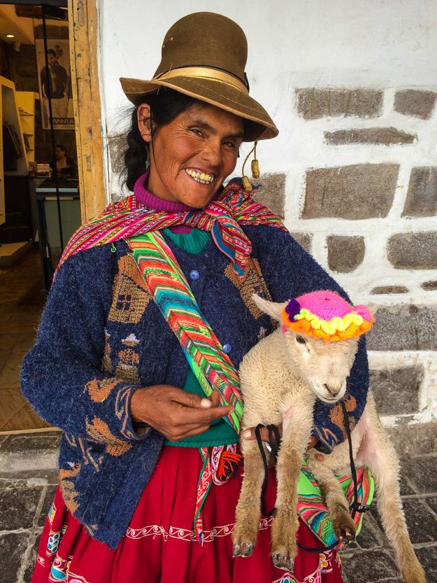 20140207_Peru_164_lady_lamb.jpg