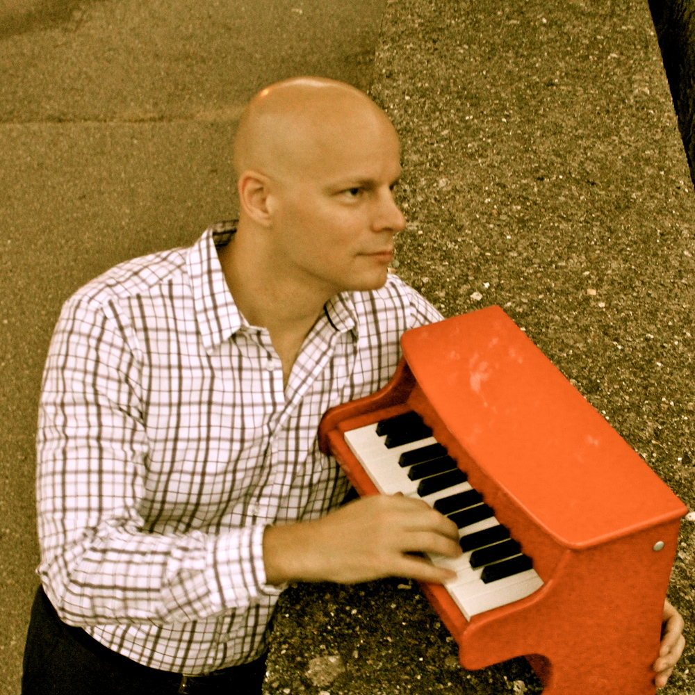 Johannes Wallmann with Tiny Red Piano