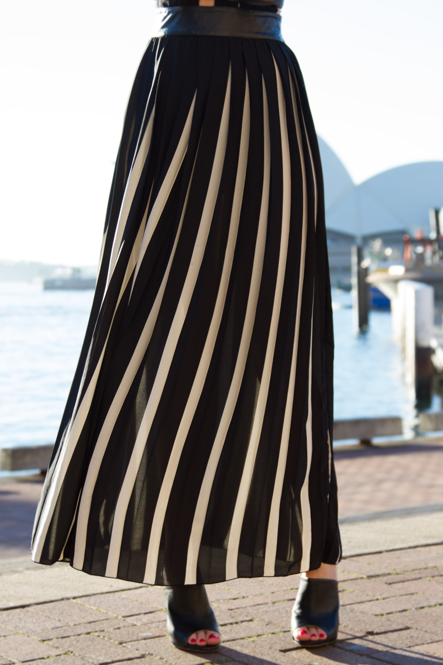vertical-stripe-dress.jpg