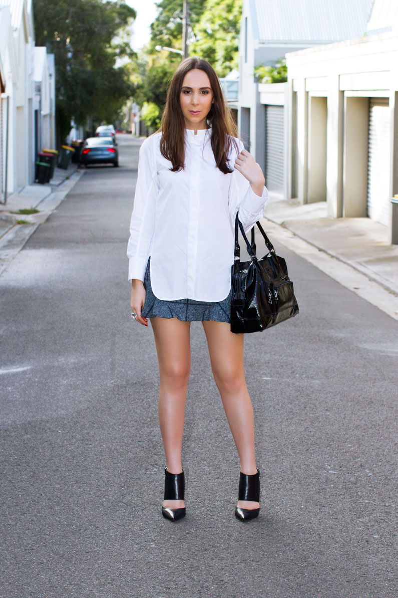 How to wear a mini skirt — NOT A MODEL
