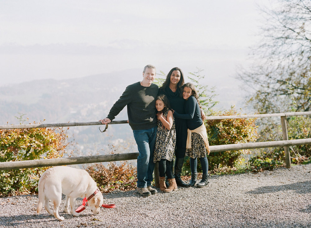 candid-family-portraits-zurich