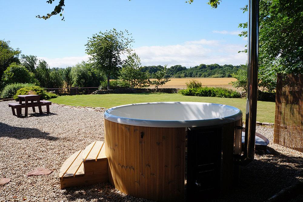 hot-tub-2-3-1.jpg