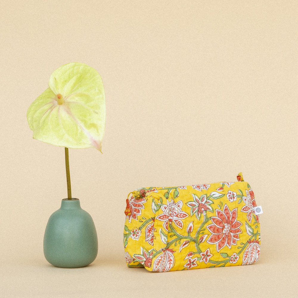 avela-small-pouch