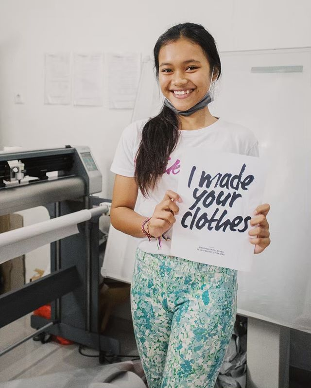 This is Desa ! I met her last year while she was interning at one of the factories I work with. She was going to high school during the day, and then a few afternoons a week getting hands on training in pattern making to see if it was a something she'd like doing as a career. I was so happy to see that programs like this existed and it was just another reason I love the factories we work with. ✨