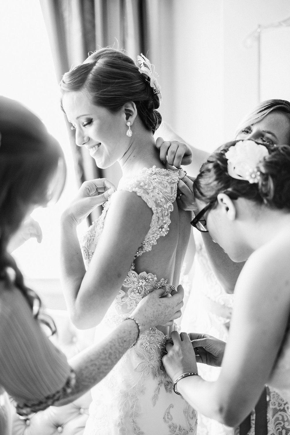 chateau-laurier-bride-getting-ready-ottawa-wedding-photographer.JPG
