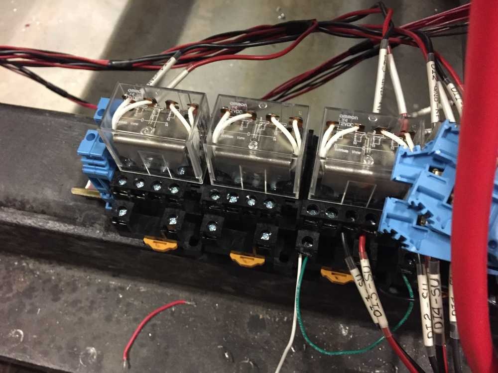 In order to have the stock ECU go to dummy injectors, I needed 2 more relays.