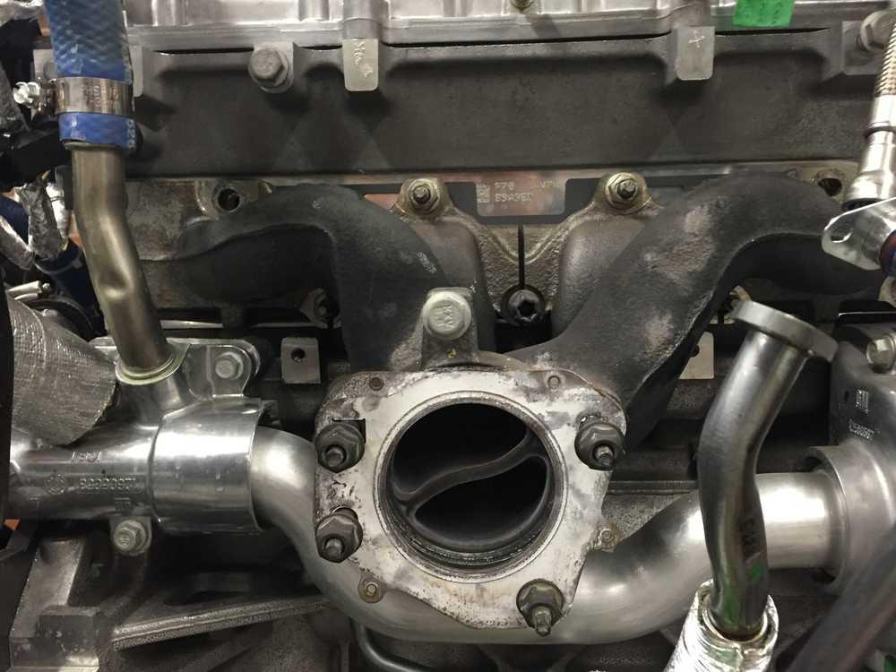 Exhaust manifold.