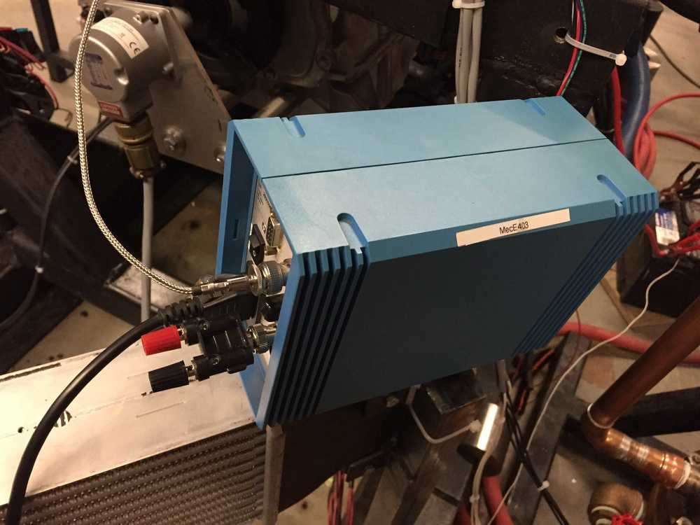 Charge amplifier used to turn the piezo-electric signals of the cylinder pressure sensor into an analog output.