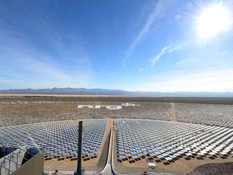 Shiny And New: World's Largest Solar Plant Opens In Nevada Scott Neuman, npr.org The world's largest solar power plant, made up of thou­sands of mir­rors focus­ing the sun's ener­gy, has offi­cial­ly start­ed oper­a­tions in Neva­da's Mojave Desert. The $2.2 bil­lion, 400-megawatt Ivan­pah Solar Elec­tric Gen­er­at­ing Sys­t…
