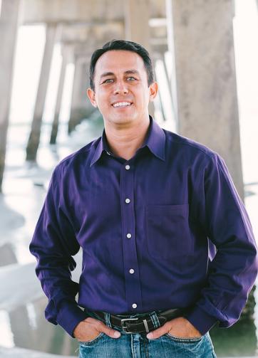 Dr. Mitch Arbeláez