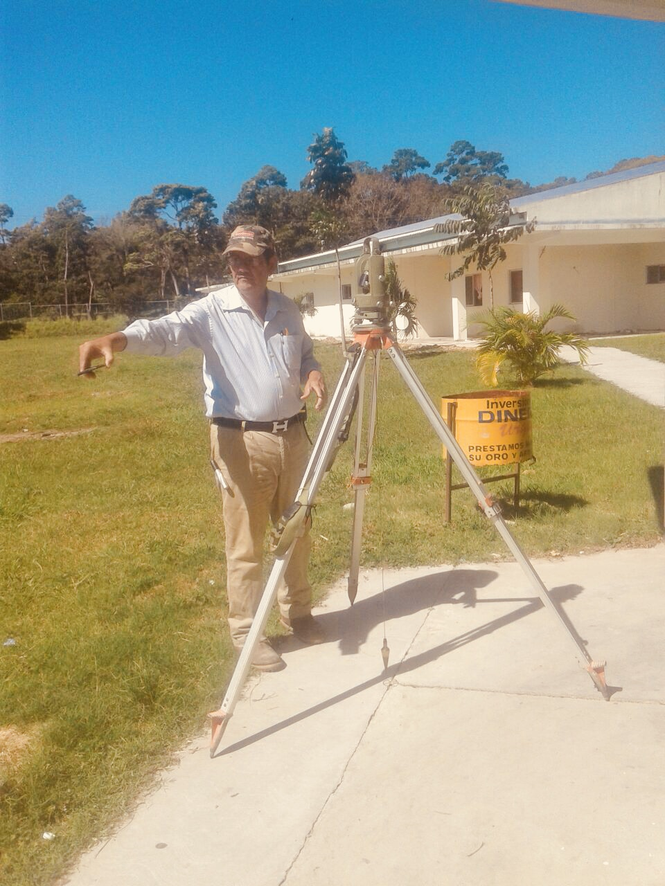 Connect Global National Director of Honduras, Jorge Amador, led this Topographer around the land at the hospital for the Maternity Home in La Ceiba last week confirming elevation levels ahead of groundbreaking and foundation work.