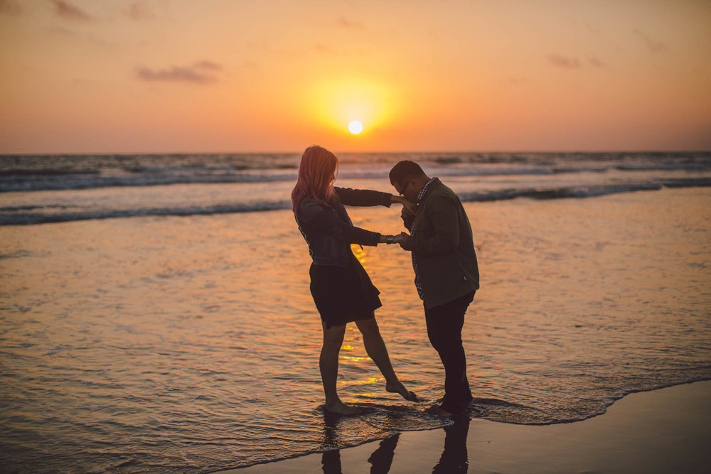 venice beach sunset engagement evangeline lane