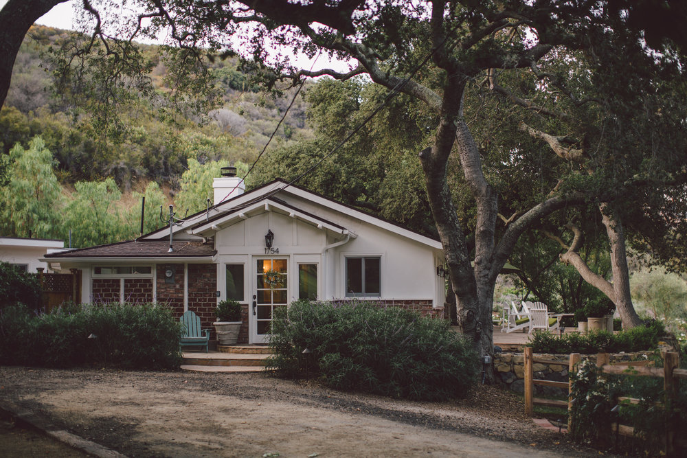 stonewall ranch-malibu-getting ready-cottage-wedding
