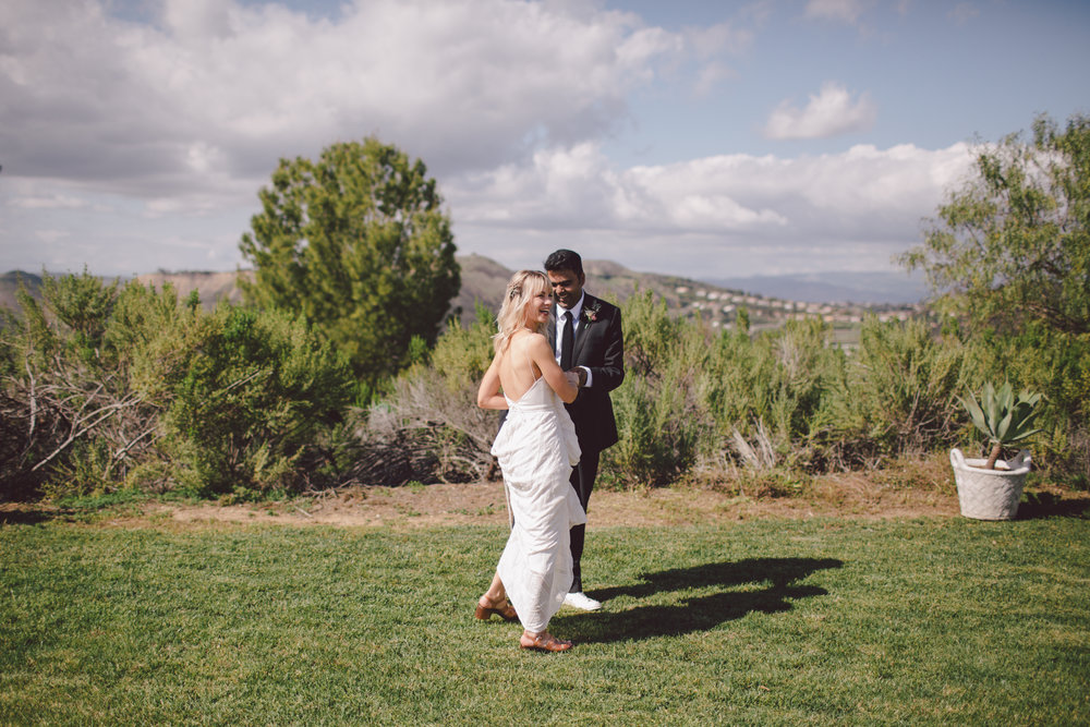 first look-malibu wedding-bohemian-sunny