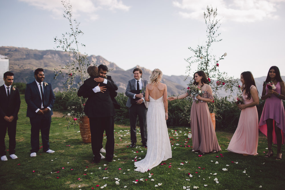 bohemian-malibu-backyard-wedding-intimate