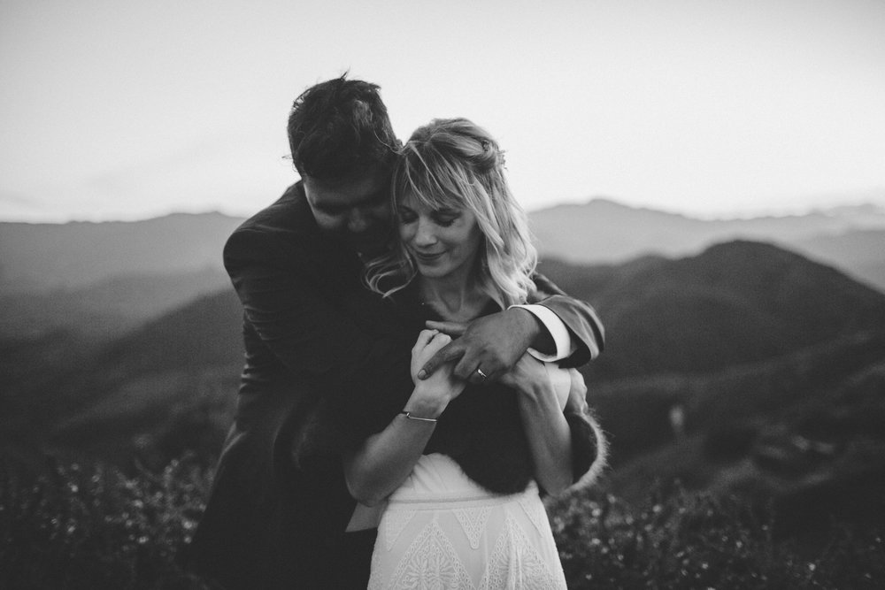 moody-romantic-malibu-wedding-outdoor-dusk