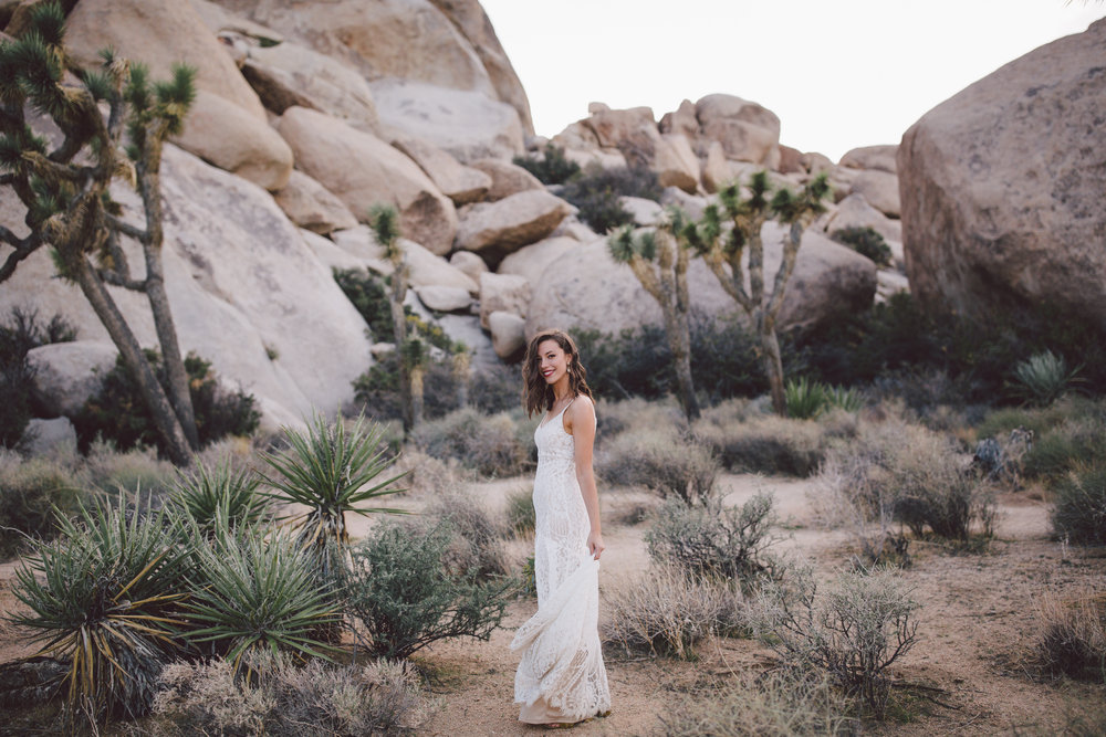 bohemian bride joshua tree elopement cap rock