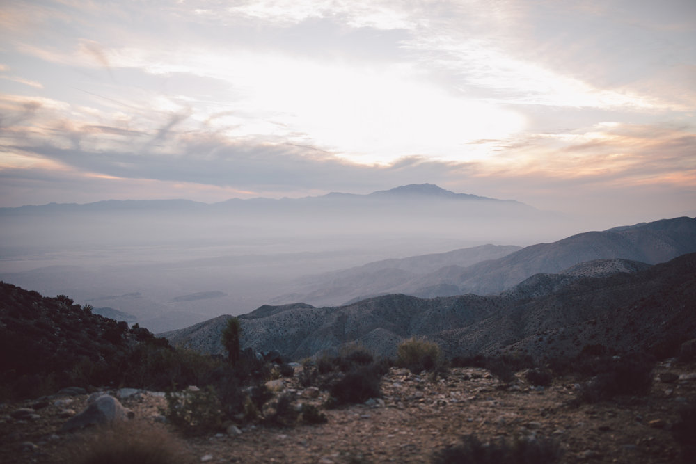 joshua tree sunset elopement keys view