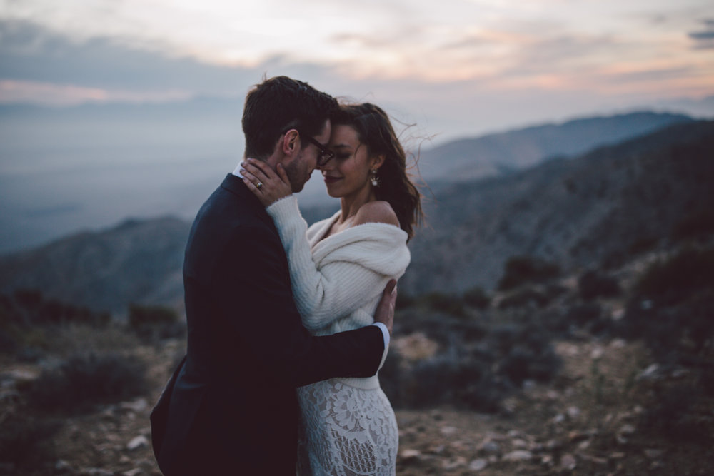joshua tree adventure elopement sunset california