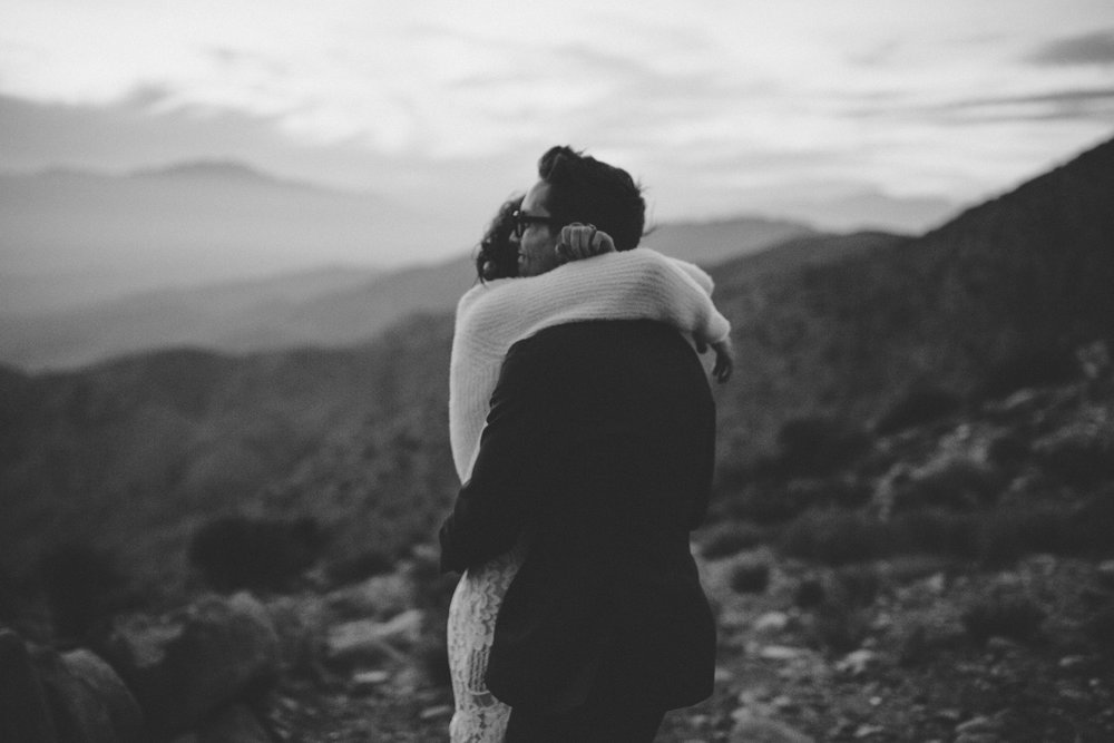 sunset joshua tree keys view elopement intimate bohemian