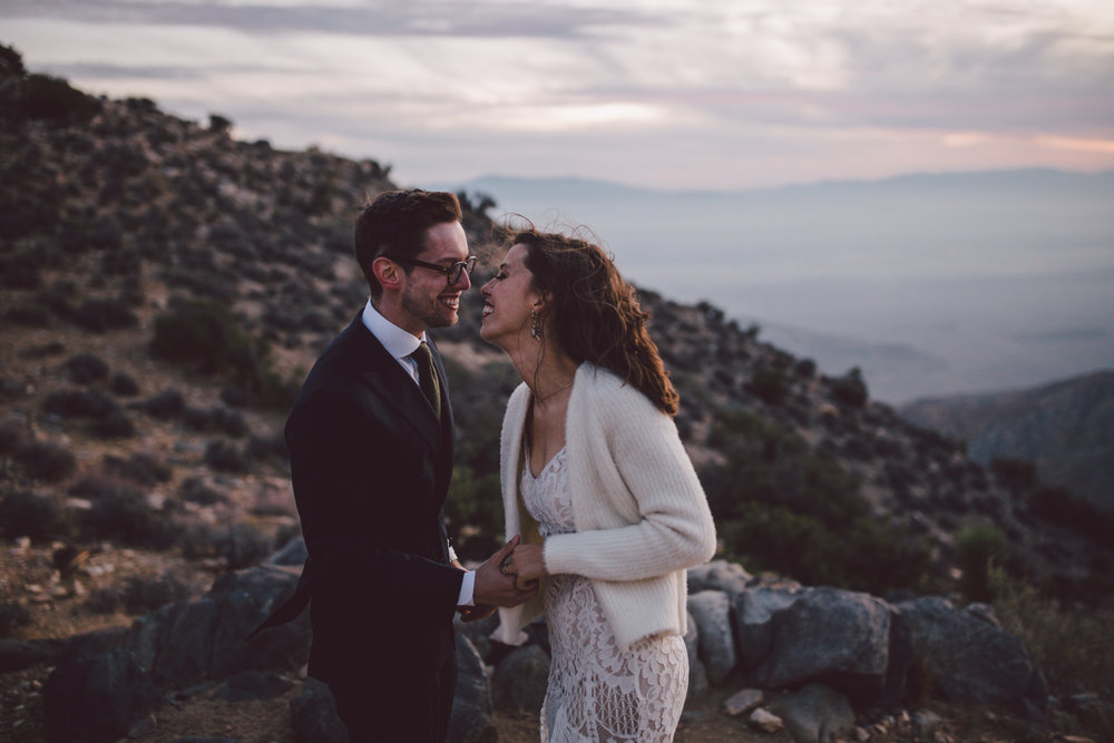 hipster couple bohemian sunset elopement keys view joshua tree