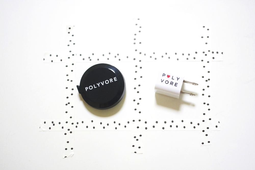 Blog Party host  Polyvore  contributed these handy tape measures and USB wall chargers.