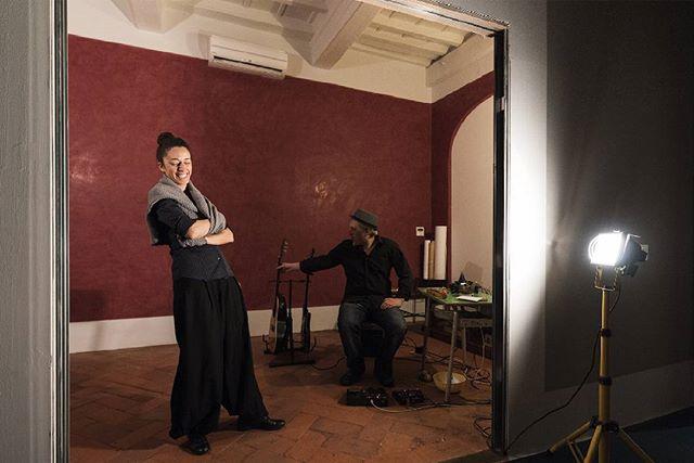 """Silvia Paoli e Francesco Canavese poco prima di mettere in scena """"Livia"""" nel salotto di Casa Giovanelli"""