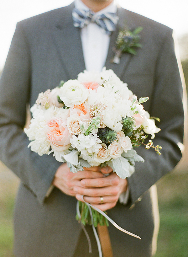 southern-wedding-peach-bouquet.jpg