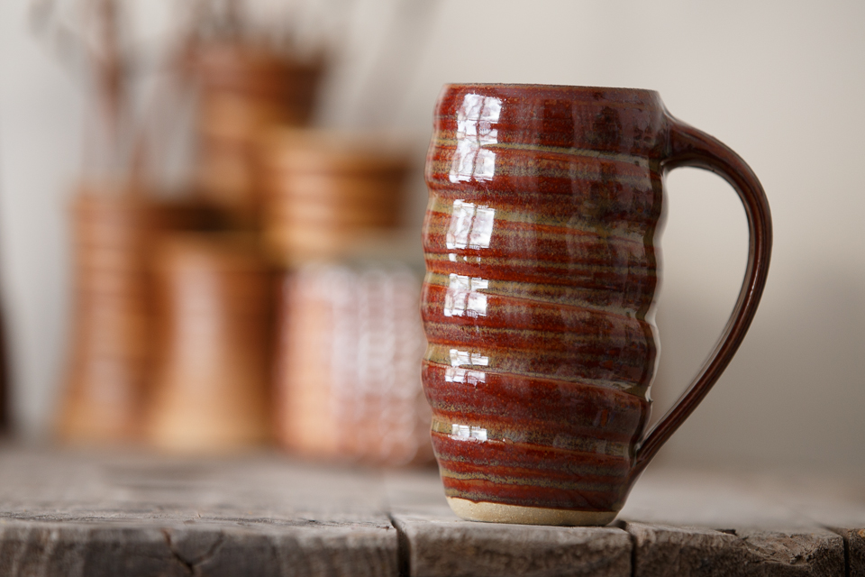 Swirl Mug, 16 oz. in the Amber glaze.