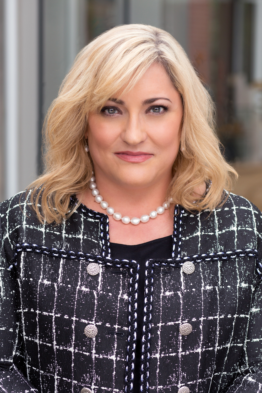 Renée James