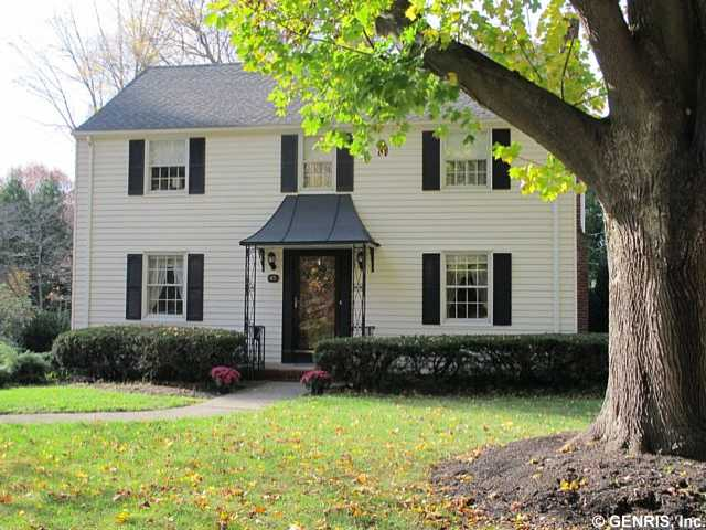 45 Shelwood Dr, Pittsford, NY 14618 MLS: R261714   |   List Price: $284,900