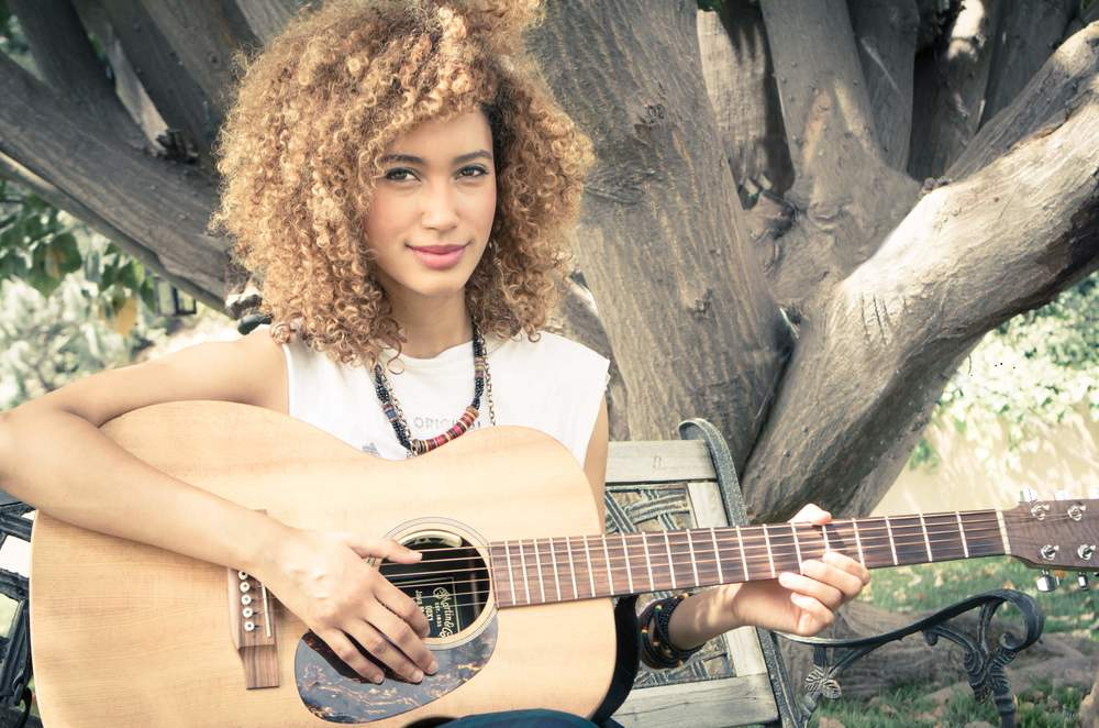Andy Allo - Kyle Rea Photography - cREAtive Castle Studios 3 copy.jpg