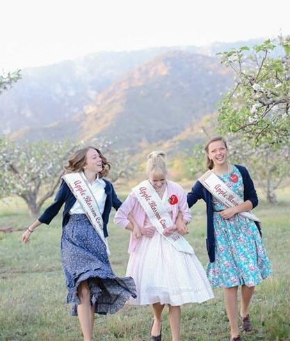 Apple blossom Queen #3.jpg