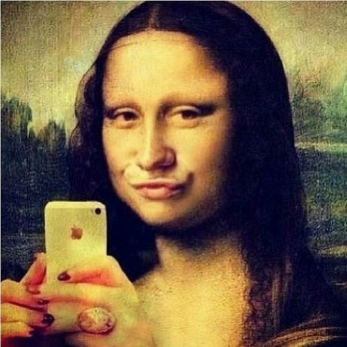 Mona's duck lips