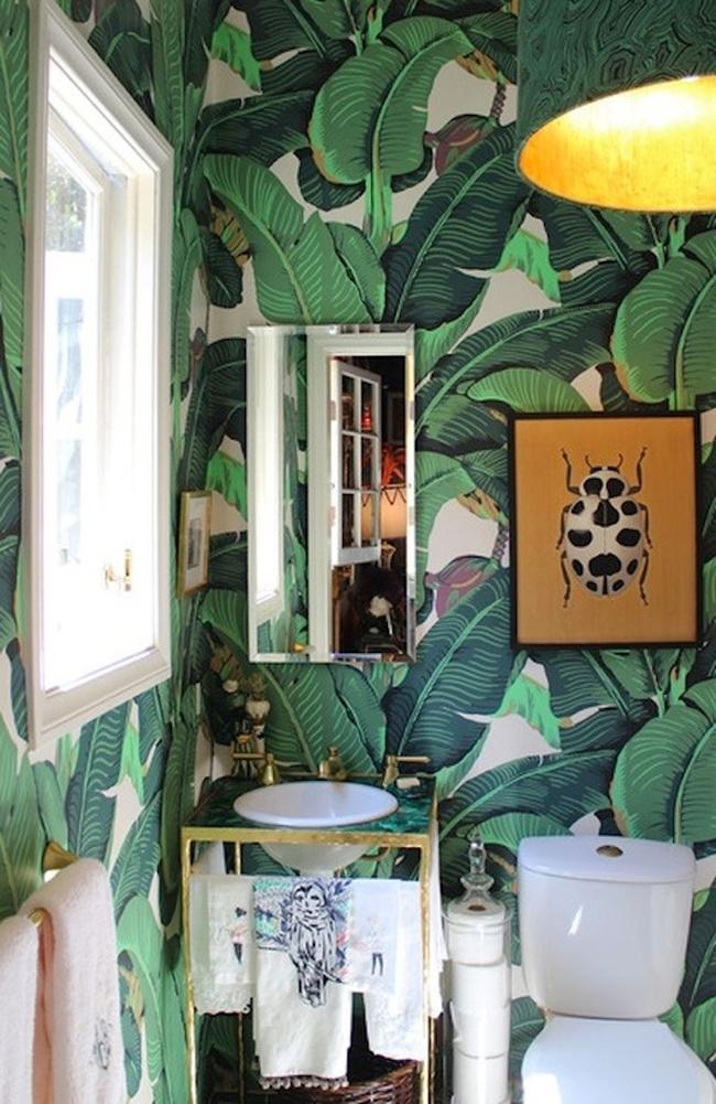 Designer Marjorie Skouras's powder room, via Apartment Therapy