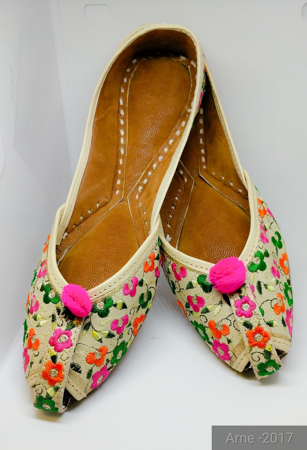 Punjabi Juti - Handmade Authentic Womens Shoes