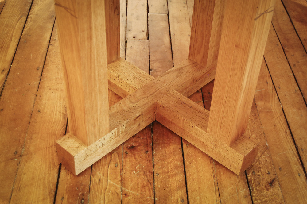 Marco's Pedestal Table - in Butternut