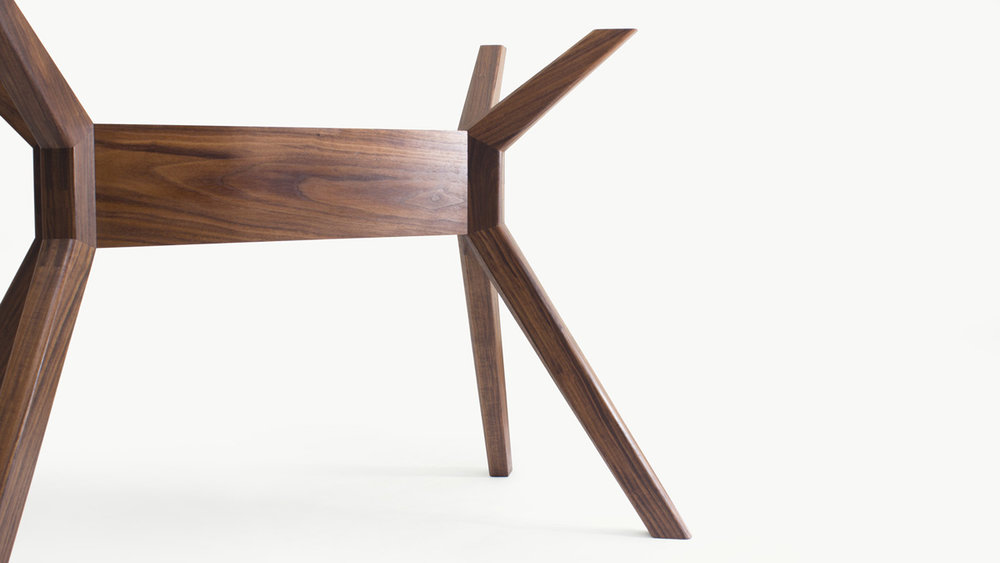 HEST DINING TABLE