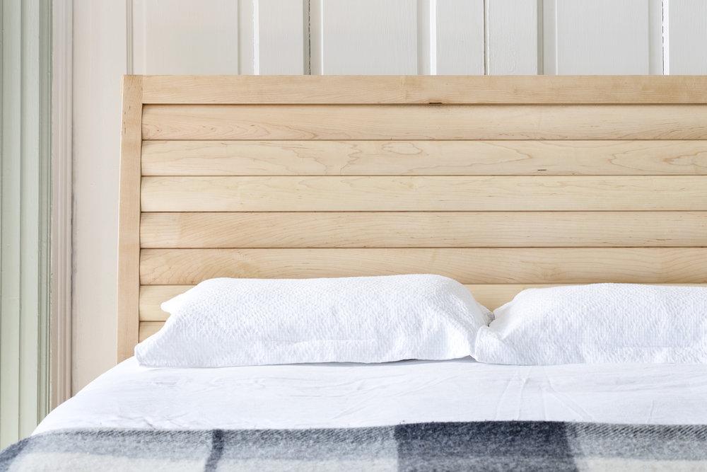 Zietz Maymont Bed - maple