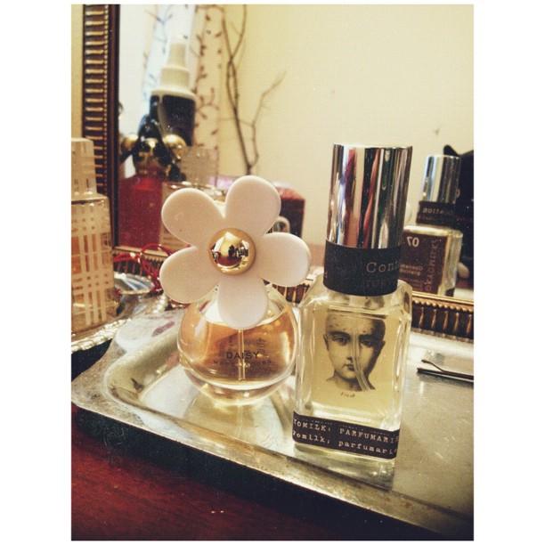 Awwyissss cute packaging. #daisy #smellinggood #marcjacobs