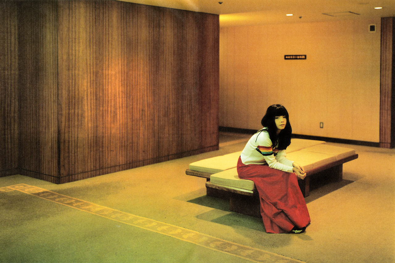 dailymajordeegan :      shihlun :      Bjork  by Takashi Homma, 1996.     what a fucking lovely portrait.