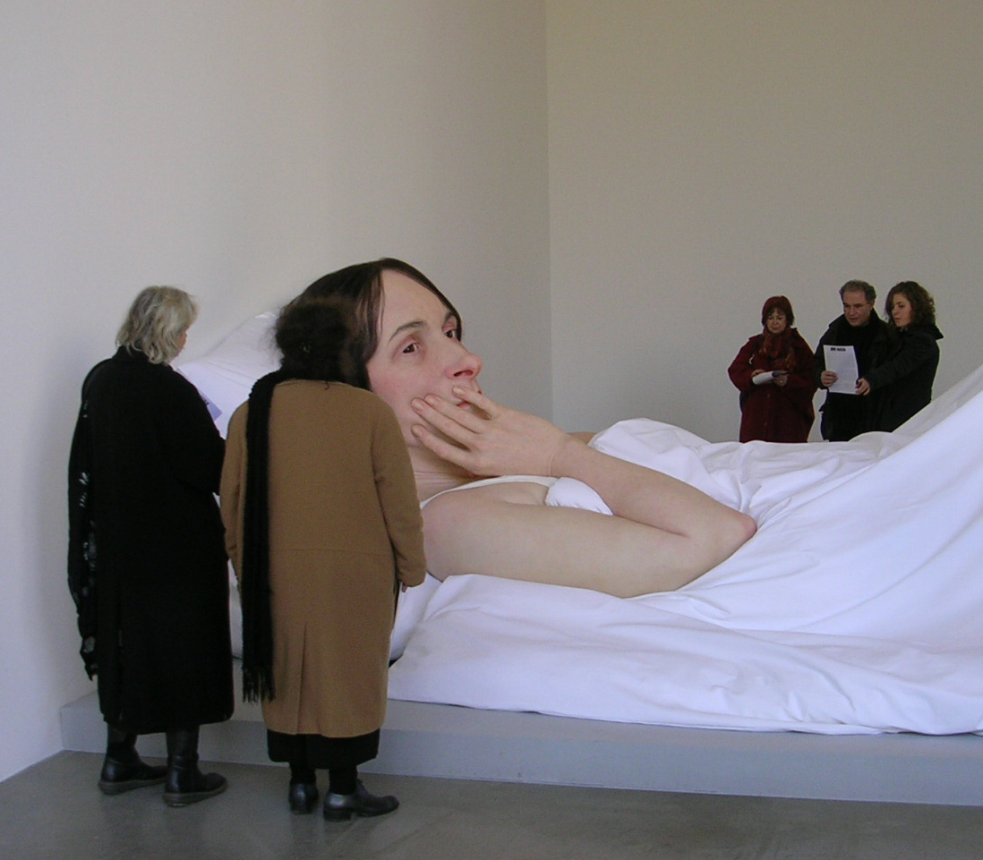 falanges :     Ron Mueck: In Bed, 2005