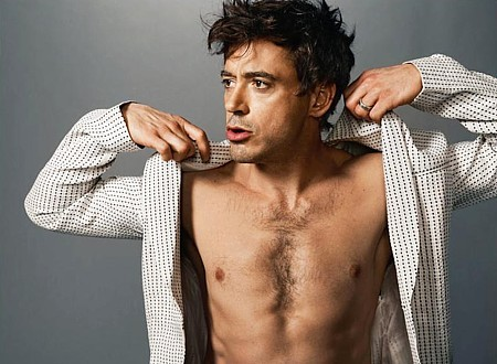 bethraa: Jesus, Mary and Joseph, I said HOT DAMN. Robert Downey Jr sort of looks like your friend's insanely hot dad that you've always had strange feelings for, especially if he gives you a lift home. Phwoaarr.