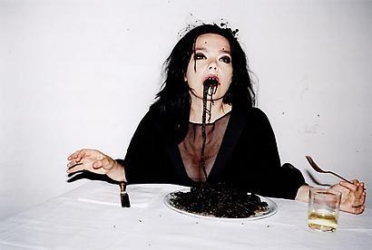 bowfolk :      suicideblonde :     JUERGEN TELLER Bjork, Spaghetti Nero, Venice, 2007    Lehmann Maupin Gallery - Juergen Teller