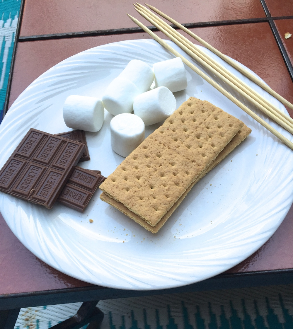 Now for the good stuff! S'mores from the grill.  Graham crackers, marshmallows, Hershey's chocolate.