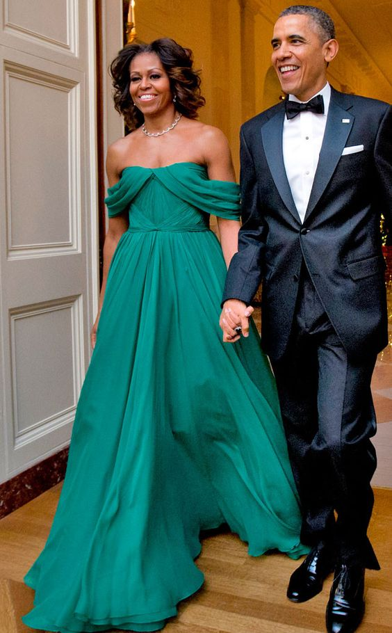 Give me emerald off the shoulders! I love this look...very understated but powerful. This Marchesa gown is beautiful on her.