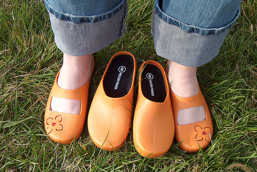 This is fantastic.  meandering: Super Duper Garden Clogs!!!!!