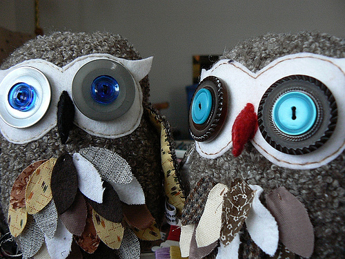 craftymeggsy:Repurposed Wool Owls- What a Hoot Cute!