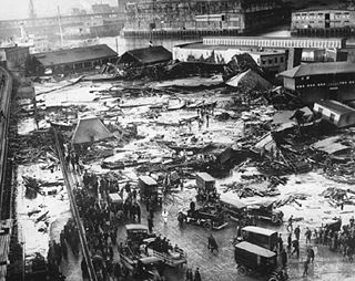 The 1919 Boston Molasses Disaster     I've mentioned this numerous times at lunch, but I always forget to check Wikipedia afterward to get my facts straight. Tonight, I stumbled on it while doing research for  a question about using turbinado sugar in iced coffee .    Anyway, the Boston Molasses Disaster  was  real, and it really killed 21 people.  See for yourself . (Eat it,  Blake .)  —  marco